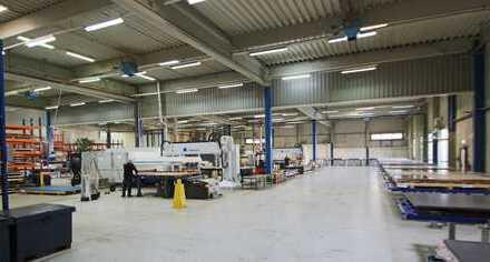 Wertige Produktionshalle mit Büro in TOP Lage
