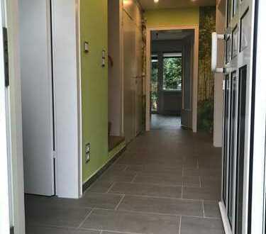 Erstbezug nach Sanierung: schönes 4-Zimmer-Reihenhaus mit Einbauküche in Vingst, Köln