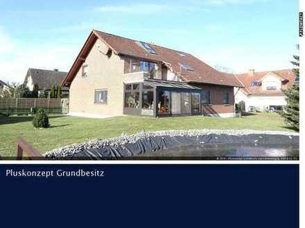 Großes Zweifamilienhaus