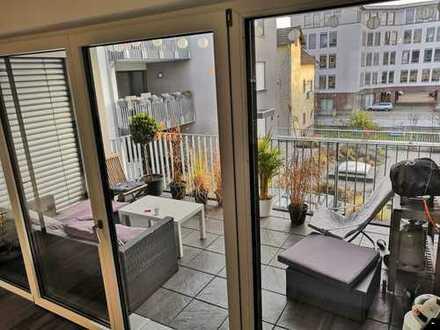 Tolles WG-Zimmer in 146m² LOFT mit großem Wohnbereich & offener Loggia