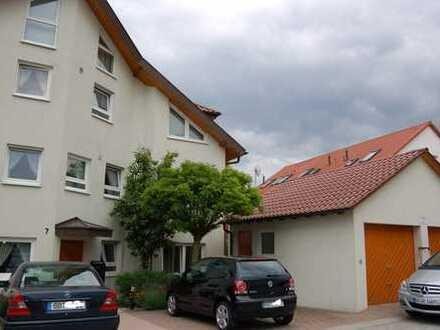 Maisonette-Wohnung im DG eines Doppelhauses