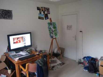 Unmöbiliertes Zimmer in 3er WG
