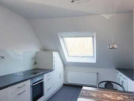 Moderne Dachgeschosswohnung - bezugsfertig inkl. Küche!