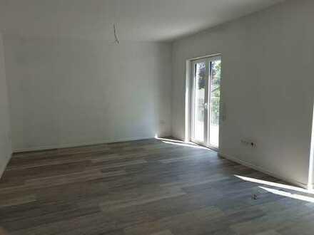 Erstbezug - Rundum schönes Wohnen! Penthousewohnung mit beidseitiger Dachterrasse