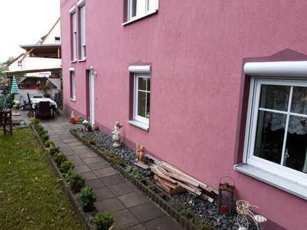 Gepflegte 2-Zimmer-Wohnung mit Terrasse und Einbauküche in Untersteinach
