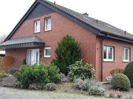 Gepflegtes freistehendes Zweifamilienhaus in ruhiger Lage
