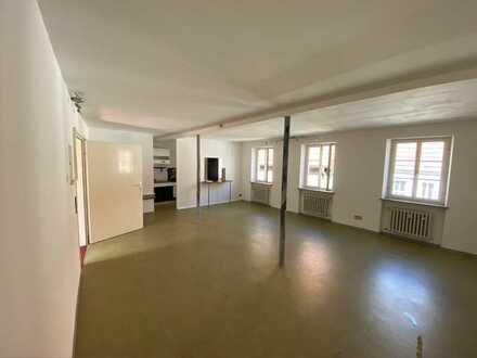 Großzügige, gepflegte 2,5-Zimmer-Wohnung mit Einbauküche in Dettelbach