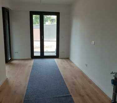 Exklusive, neuwertige 2-Zimmer-Terrassenwohnung mit EBK in bester Langenfelder Lage