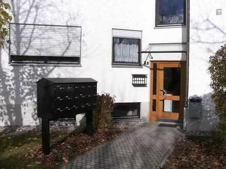 Helle, gepflegte 1,5-Zimmer-Wohnung mit Balkon, Einbauküche und PKW-Stellplatz in 86899 Landsberg