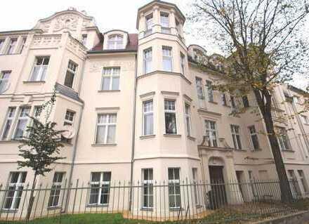 Herrschaftliche 5-Zimmer-Altbau-Wohnung mit Balkon und EBK in zentraler Innenstadtlage von Potsdam