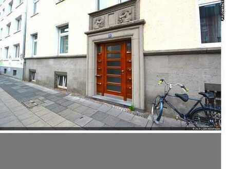 3 Zimmer Altbauwohnung mit Balkon im Herzen von Köln-Deutz