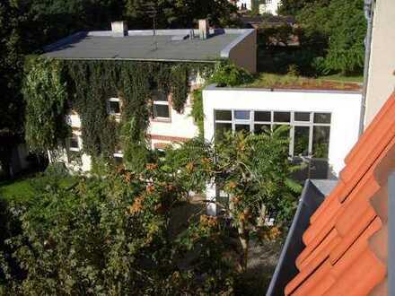 Erstbezug nach kompletter Renovierung: Helle, ruhige 2-Zimmer-Atelier-Wohnung im Pankow-Wilhelmsruh