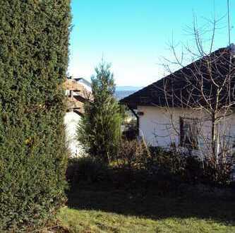 Gartengeschoss-Wohnung mit Süd-Terrasse und EBK in Altenriet