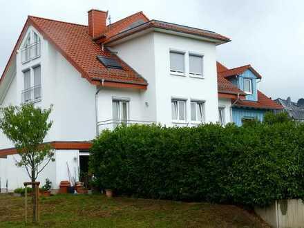 Gepflegte 5-Zimmer-Maisonette-Wohnung mit Balkon und Einbauküche in Rauenberg sofort bezugsfähig