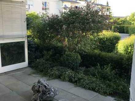 Sonnige 4,0 Zimmer Seniorenwohnung mit Terrasse und kleinem Garten in Bad-Dürrheim