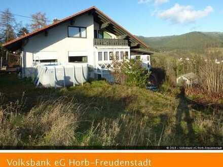 Freistehendes, gepflegtes 2-Familien-Landhaus mit fantastischem Ausblick