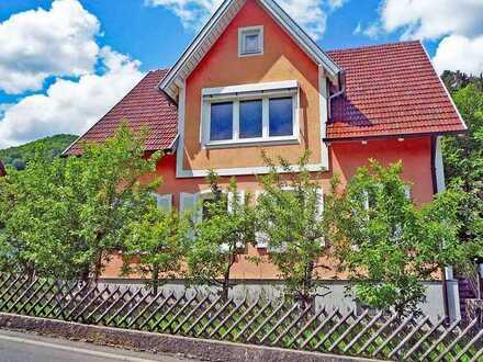 Charmantes Zweifamilienhaus in Heubach am Fuße des Klotzbach