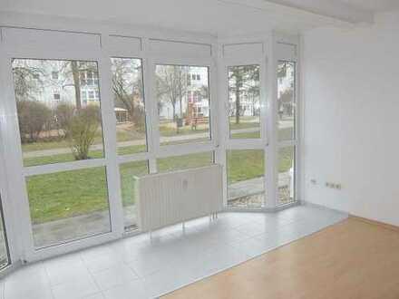 17_WO2000_TT Ruhige 2-Zimmer-Wohnung mit Terrasse / Nittendorf