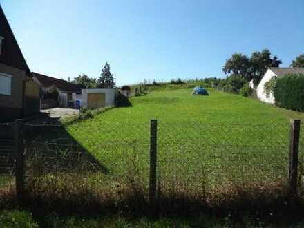 Baureifes Grundstück in leichter Hanglage in Langenfeld - Landkreis Neustadt an der Aisch