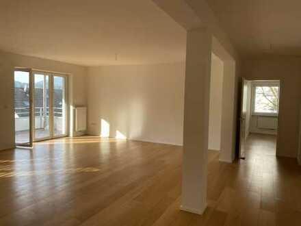 Grosszügige Luxus Wohnung mit Blick