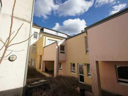 Kleines Einfamilienhaus, Rarität mitten in Krefeld mit Terrassensüdseite!