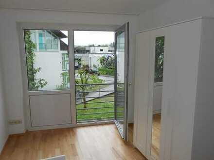 helles Zimmer - renoviert - Parkett - KEINE PROVISION/renovated apartment