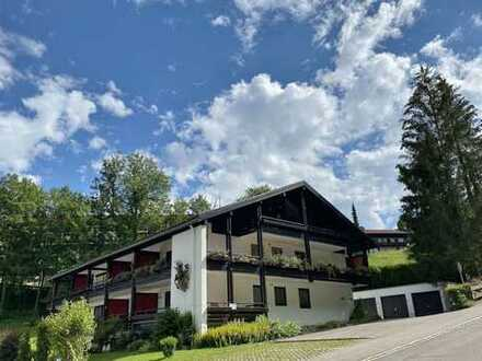 Schöner Wohnen - Hochwertig ausgestattete 3 - Zi. - DG-Whg. im beliebten Oberstaufen