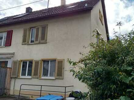 Schönes Haus mit 4,5 Zimmern in Tübingen (Kreis), Kirchentellinsfurt