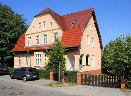 Wohnen am Rhin! Tolle 4-Zimmer-Wohnung mit EBK und Kamin in TOPLAGE von Alt Ruppin