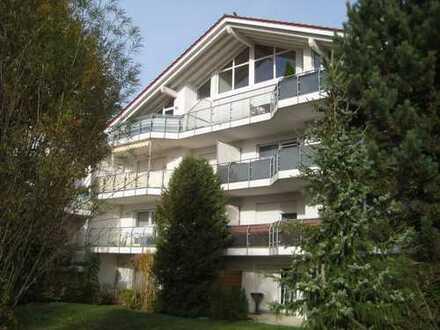 Modernisierte 3-Zimmer-Hochparterre-Wohnung mit Balkon und EBK in Albstadt