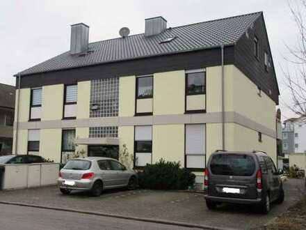 Gepflegte 3,5-Zimmer-Dachgeschosswohnung mit Balkon und EBK in Bellheim