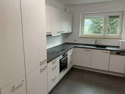 Neuwertige 5-Zimmer-Wohnung mit Balkon und Einbauküche in Osterholz-Scharmbeck