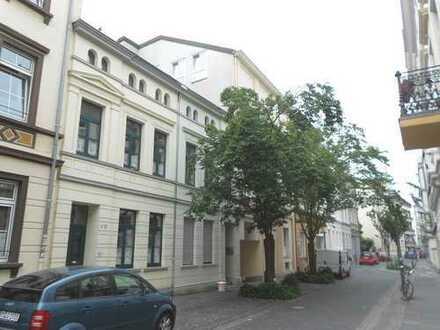 ruhiges City-Appartement mit großem Balkon in der Bonner Altstadt