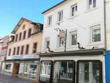 Wohn- und Geschäftshaus mit viel Projektpotenzial in 1A Innenstadtlage von Neustadt