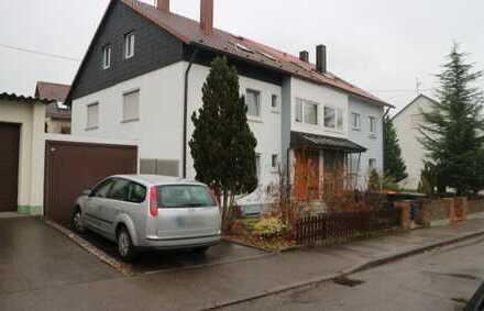 Schöne große 2,5 Zimmer EG Wohnung mit Terrasse und gr. Garten sowie Einzelgarage in Steinenbronn