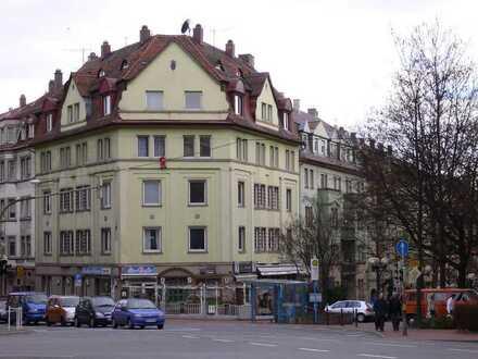 93 m² große, helle 4-Zimmer-Wohnung