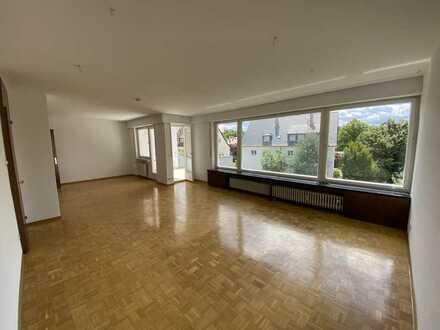 Exklusive, geräumige und vollständig renovierte 3-Zimmer-Wohnung