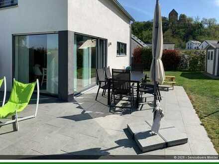 Hier steht Ihr Wunschobjekt - modernes Einfamilienhaus mit Schlossblick in Cleebronn