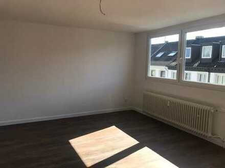 großzügige 1 Zimmerwohnung in Krefeld - Mitte zu vermieten !!