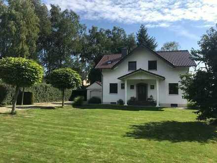 Schönes, freistehendes Einfamilienhaus mit zusätzlichem Baugrundstück in Bad Honnef - Höhenlage