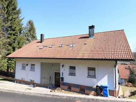 Gepflegte Dachgeschosswohnung in schöner Lage!