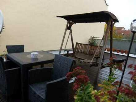 12_EI6405 Schön geschnittene 4-Zimmer-Eigentumswohnung mit herrlicher Dachterrasse / Neutraubling