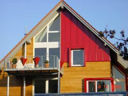 DG Maisonette-Wohnung in außergewöhnlichem Architektenhaus