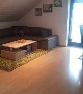 Kleinere gepflegte 2- Zimmer Dachgeschoss Wohnung in Schemmerhofen
