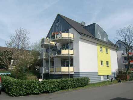 Schöne, helle 2-Zimmer-DG-Wohnung, Süd-Balkon, EBK, Stellplatz, 66 qm Grundfläche, PROVISIONSFREI