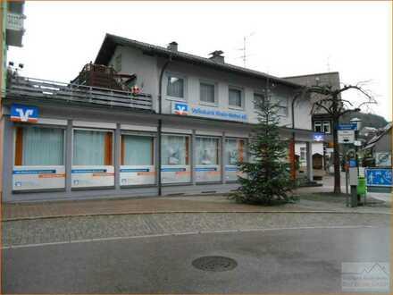 Wohn- und Geschäftshaus in  T o d t m o o s
