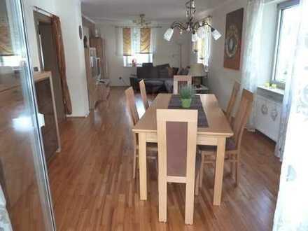 Schöne 4/5-Zimmerwohnung möbliert/unmöbliert, Balkon 21qm und Einbauküche in Nürnberg Ziegelstein