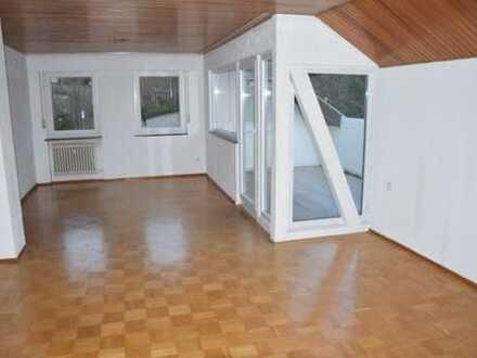 Gepflegte 3,5-Zimmer-DG-Wohnung mit Balkon in Bretten