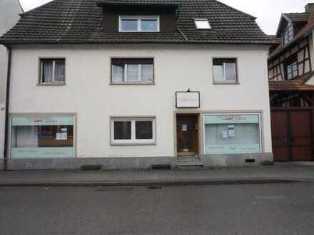 Büro/Praxis mit ca. 77 qm in Lichtenau/Baden, Hauptstraße, ab 1.1.2019 günstig zu vermieten