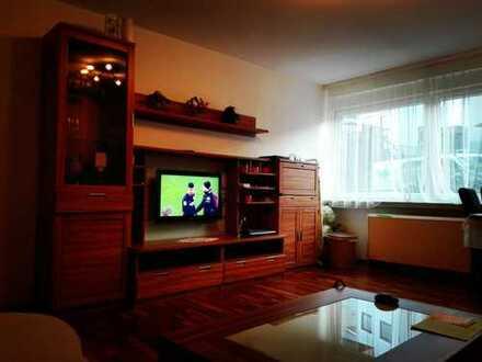 Möblierte, gepflegte 2-Zimmer-EG-Wohnung mit EBK, Stellplatz u. Keller